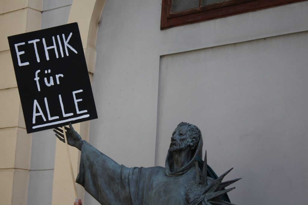 Ethikfüralle_Statue